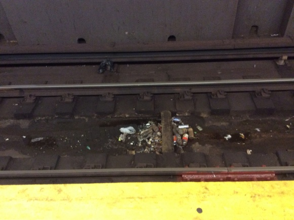 subway trash